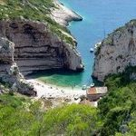 hidden beach Stiniva - Vis