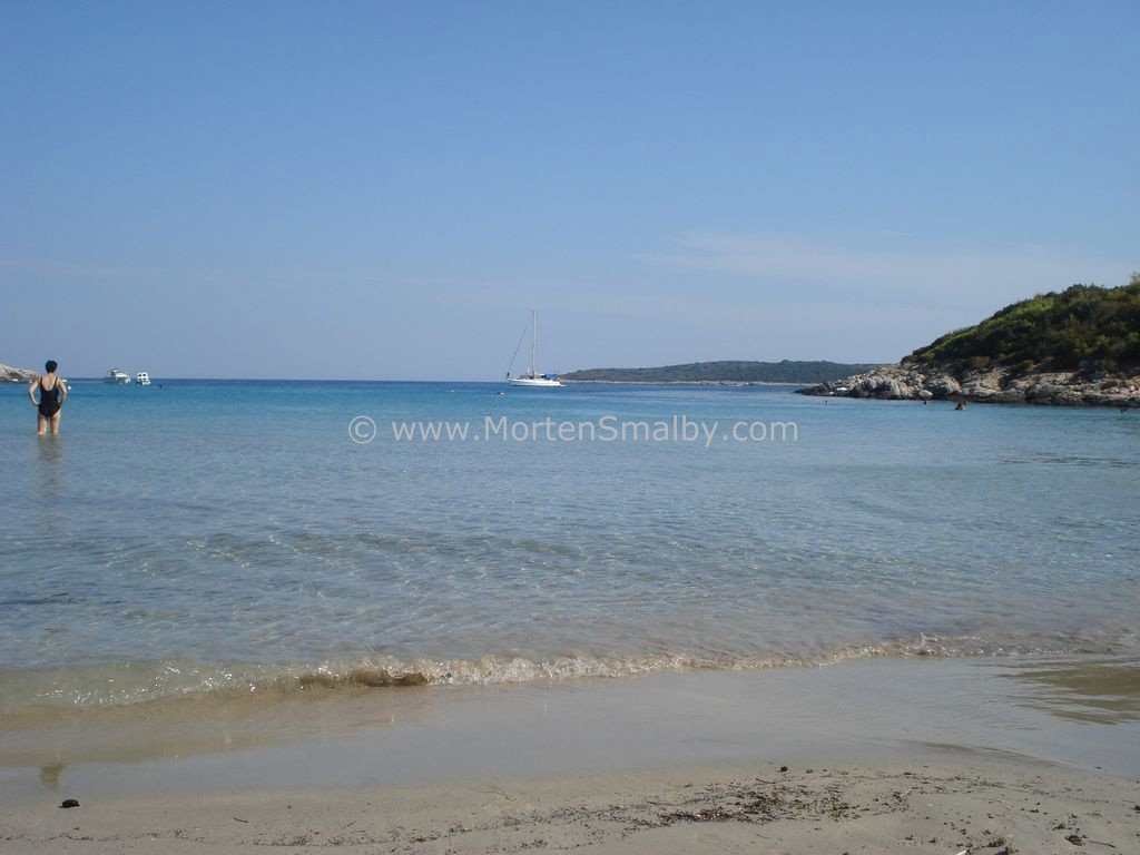 Vis Milna Sandy Beach