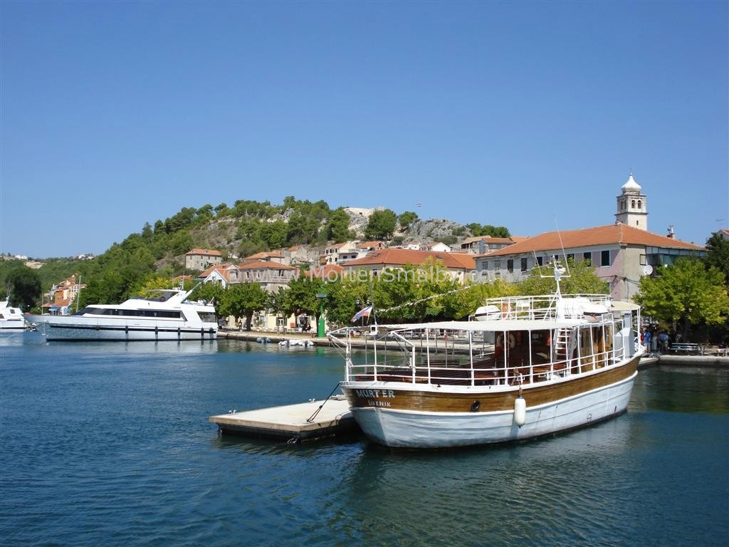 Boat from Skradin to the waterfalls