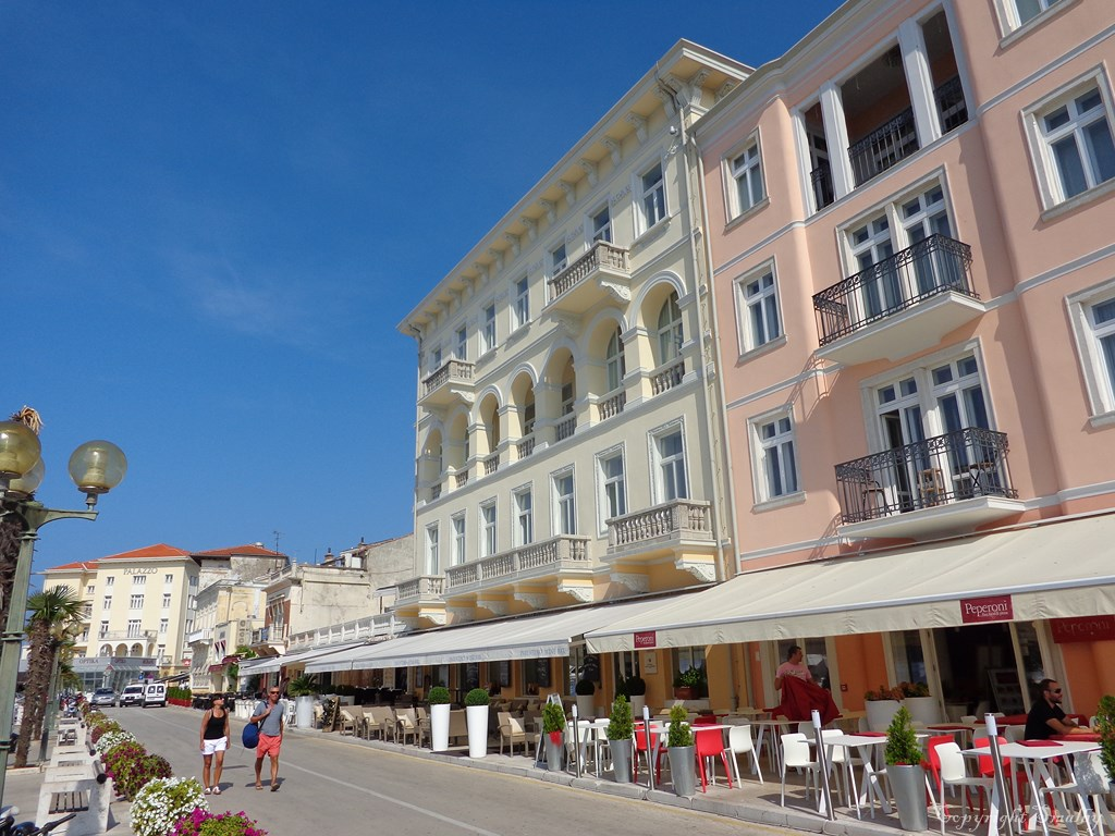 Coffebars at the Riva in Porec