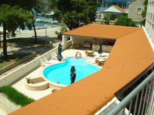 korcula-pool-hotel-lumbarda-2