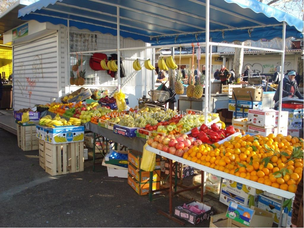 Shopping in Split, supermarkets, malls, green and fish market