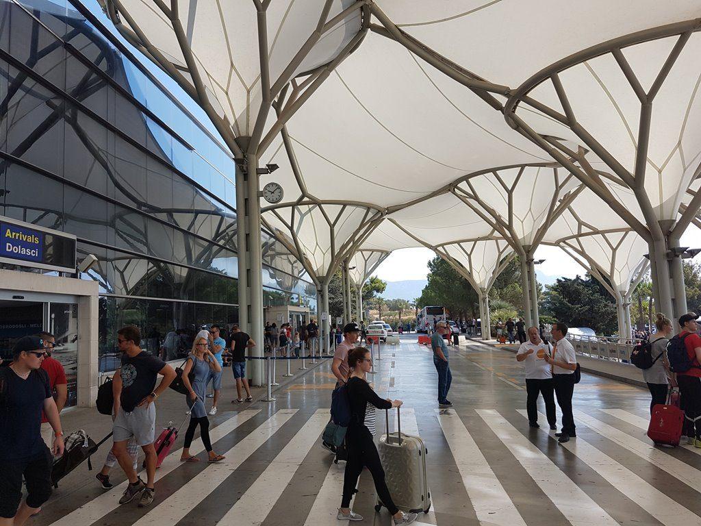 entrance Split airport