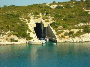 Vis submarin tunnel