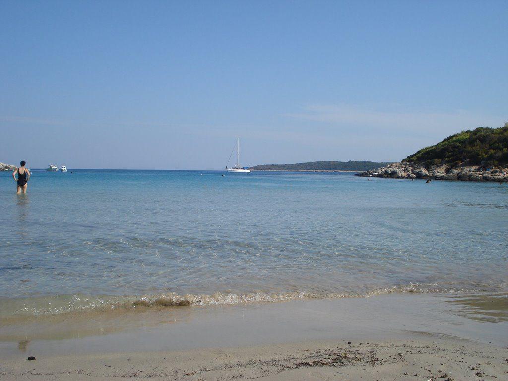 Vis Milna sand beach