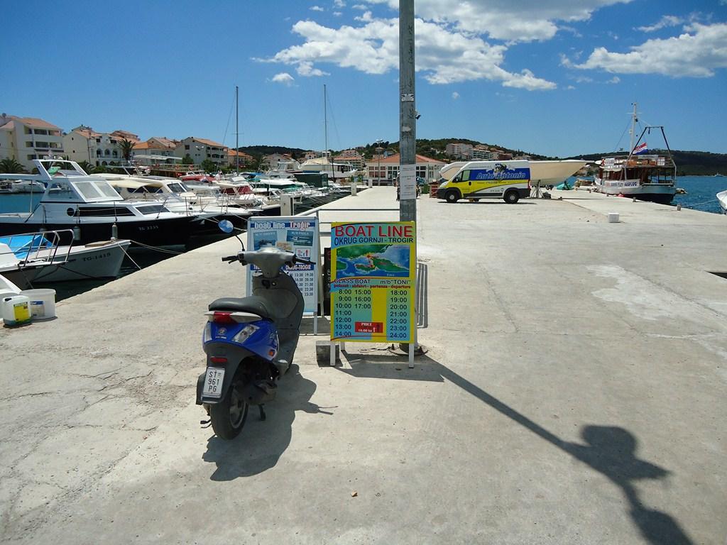 Boat departure Ciovo