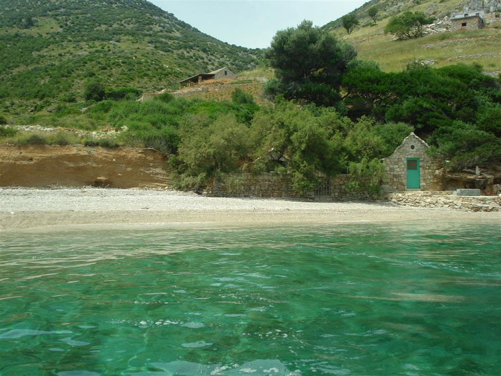 Remote beach Brac