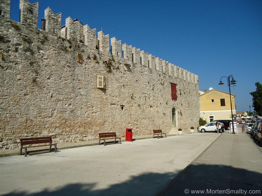 Walls Novigrad