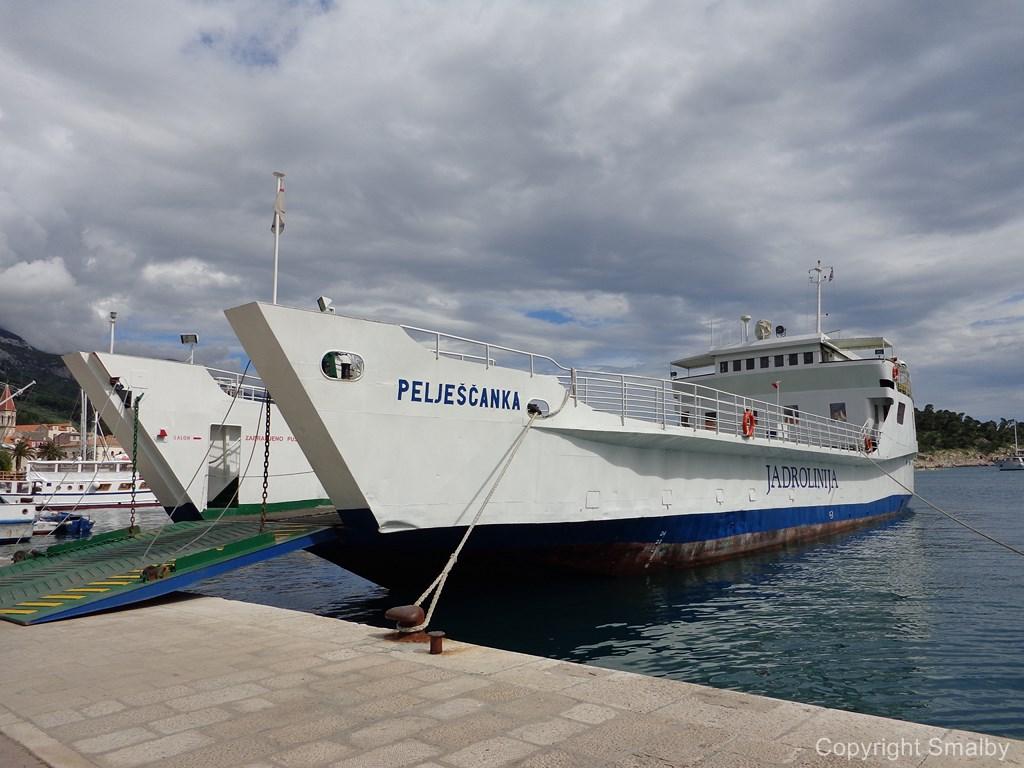 Ferry Makarska